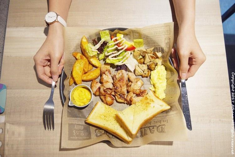 台北食記 ▌古亭站 : U & me 找咖 台北早午餐推薦 環境舒服 有WIFI/插頭/不限時