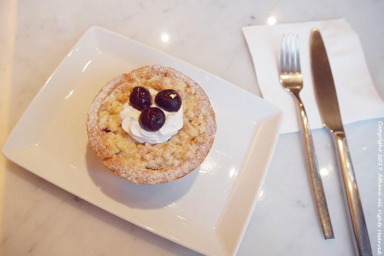 台北食記 ▌市政府:信義誠品Eslite Cafe 景觀咖啡廳下午茶 靠窗就可以看到101
