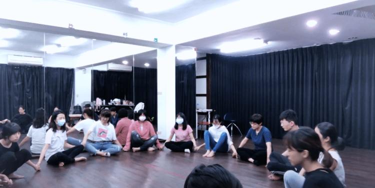 果陀劇場・種子學苑 ▌舞台劇進階表演班 第三堂課 – 建構立體的空間感 我在哪?
