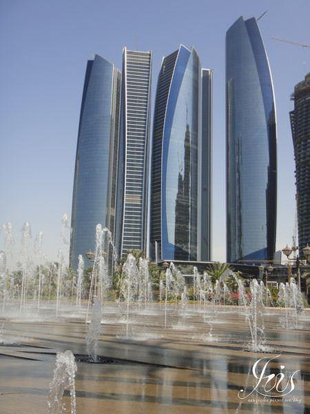 阿拉伯 ▌阿布達比,清真寺、酋長皇宮飯店一日遊 Abu Dhabi City Tour《Iris專欄》