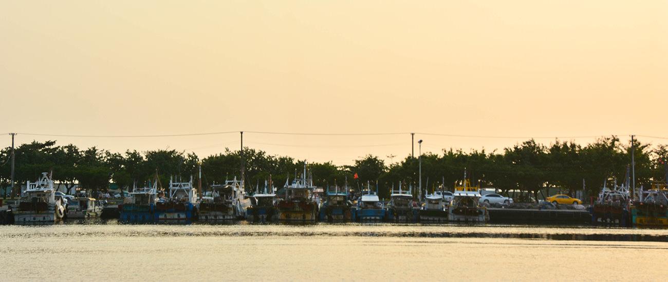 蚵仔寮漁港