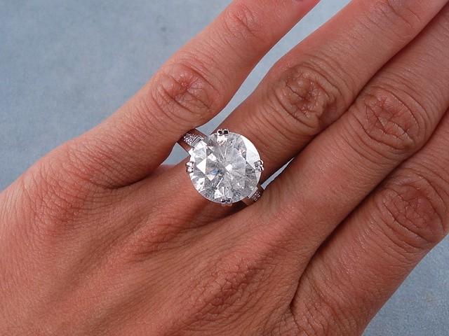 Luxury 7 Carat Diamond Ring Price