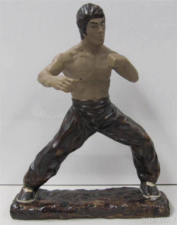 Bruce Lee Collectable Martial Art Ceramic Action Statue