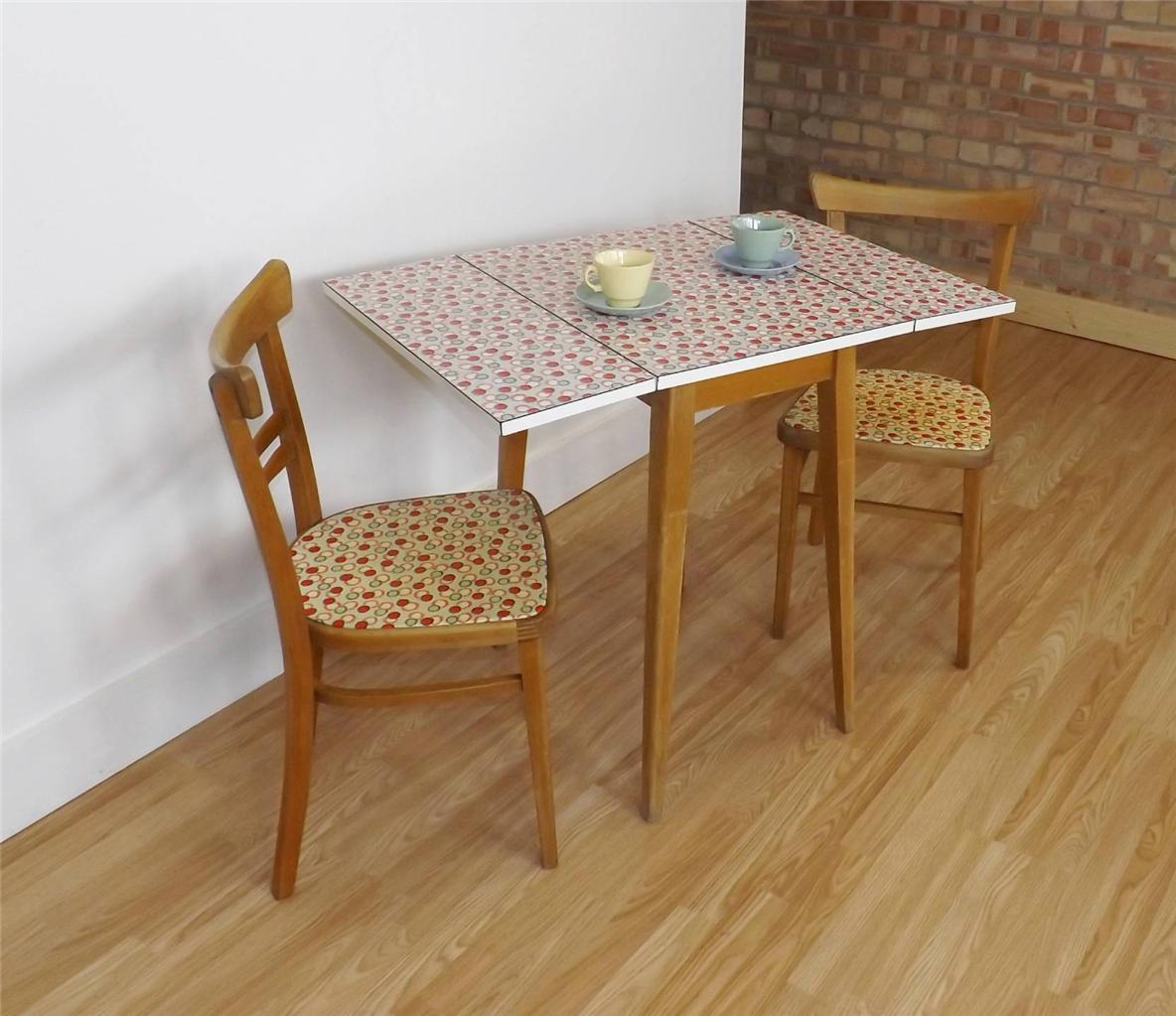 Formica Table And Chairs 1950 39s Formica Kitchen Table And Matching Chairs Retro