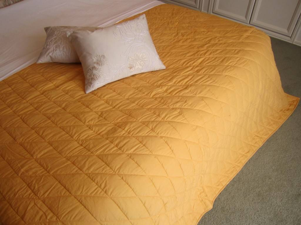 quilted embroidery sectional sofa couch slipcovers furniture protector cotton convertible en cama ikea large throw blanket 43 cushion cover handmade