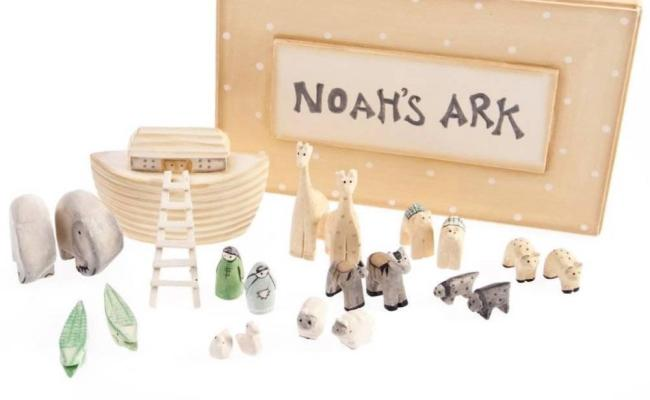 East Of India Wooden Hand Carved Boxed Gift Sets Noahs Ark