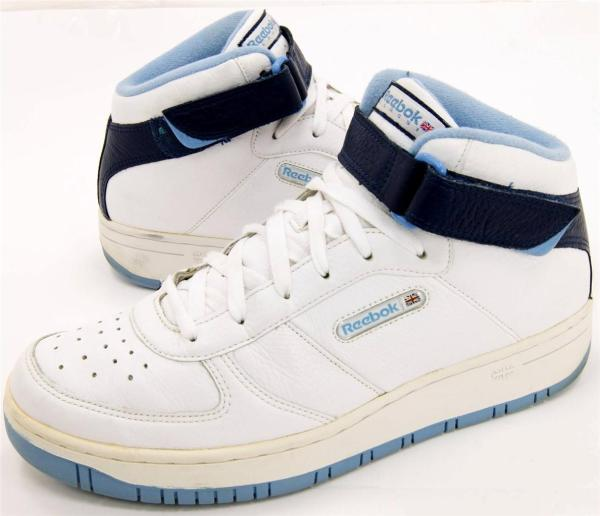 Reebok Classic Tops White Blue Leather Sneakers