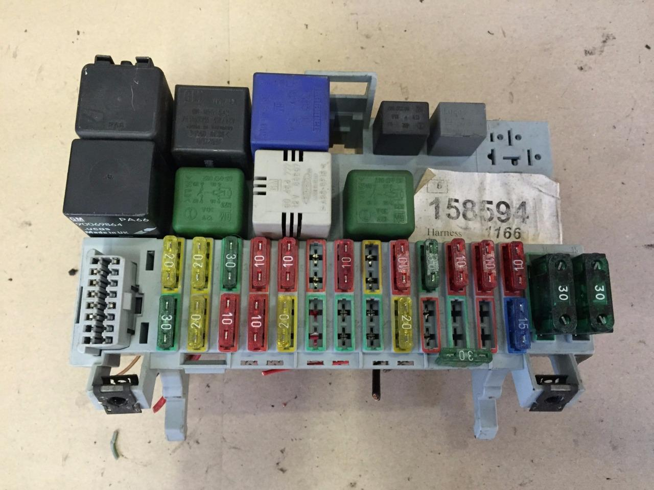 hight resolution of opel vx astra f mk3 1 6 16v petrol complete fuse box with relays fuses