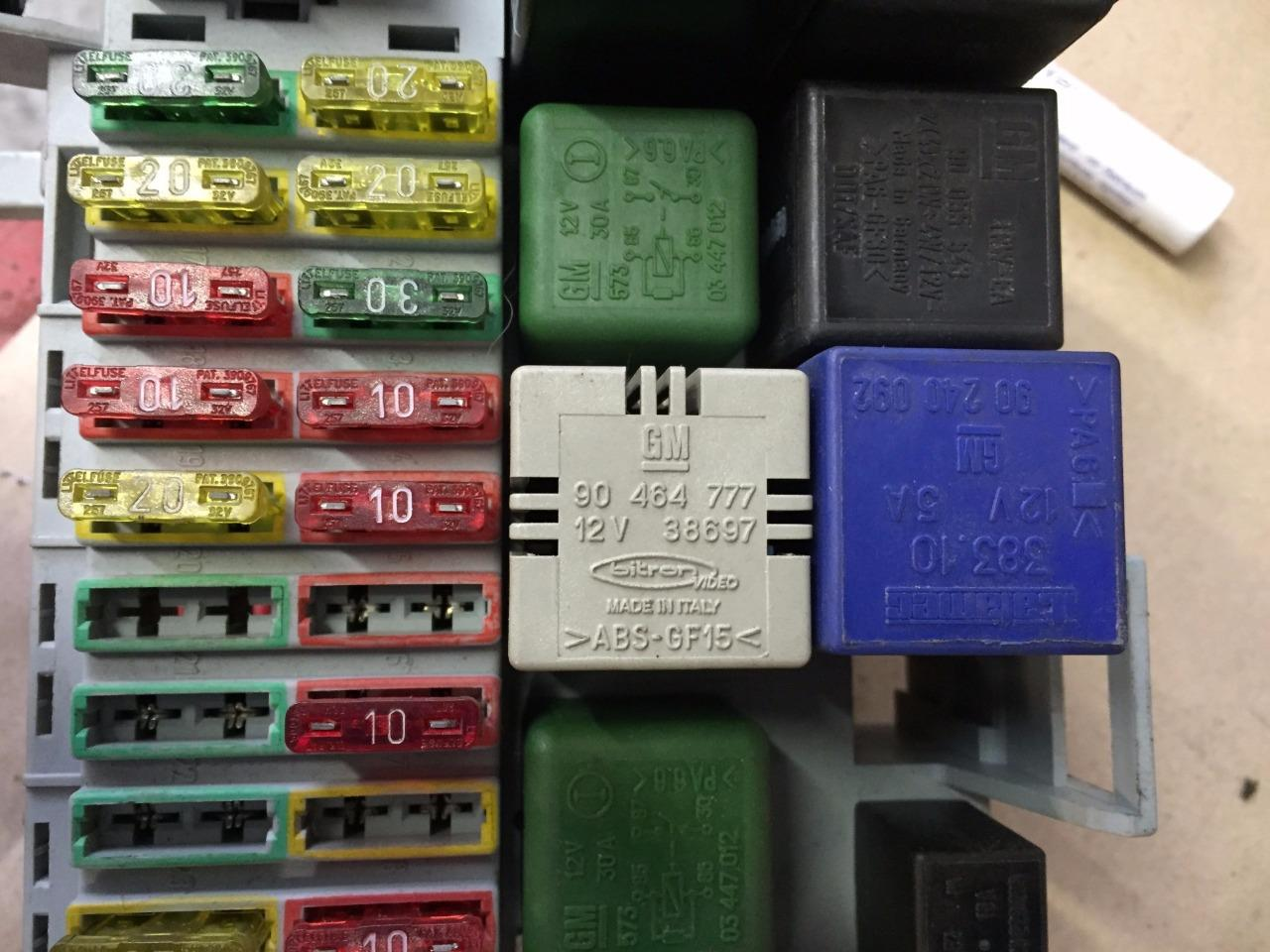 hight resolution of opel vx astra f mk3 1 6 16v petrol complete fuse box with relays rh ebay