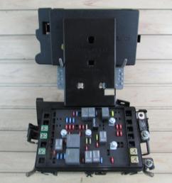 03 04 chevrolet ssr engine fuse block relay box 5 3l p n 15106508 [ 1280 x 960 Pixel ]