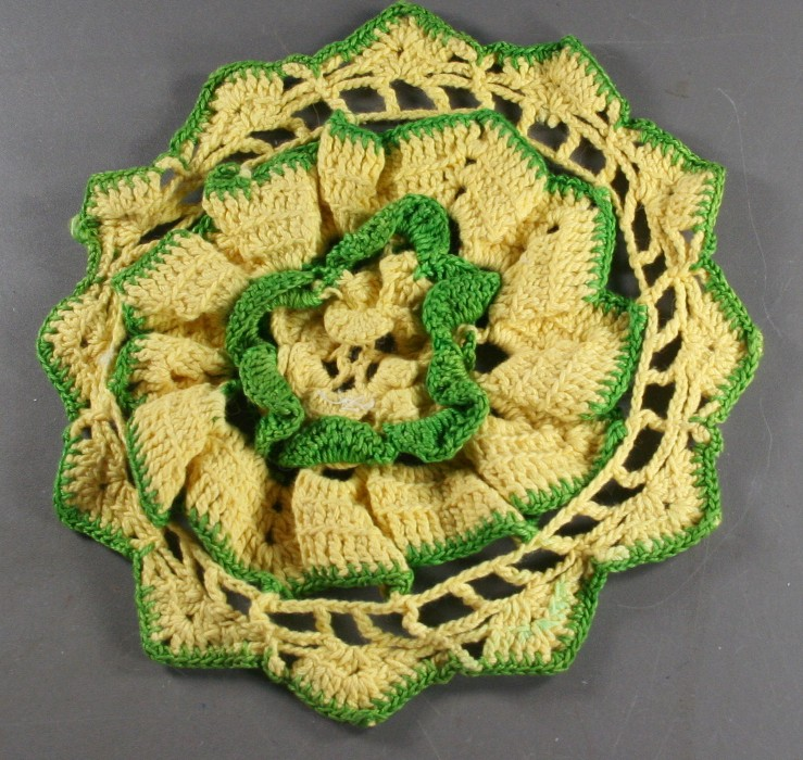 vintage hot pad, crochet, doily style, yellow, green