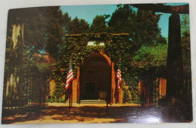 vintage postcard, Washington Tomb, Mount Vernon, Virginia