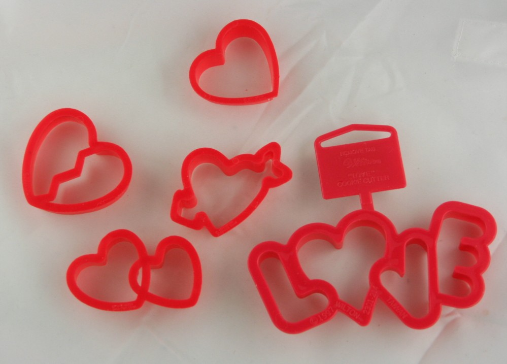 cookie cutter, cookie cutters, hearts, love, Wilton, plastic