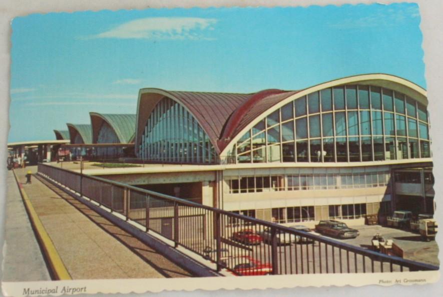 vintage postcard,St. Louis,Missouri,Lambert field,municipal airport