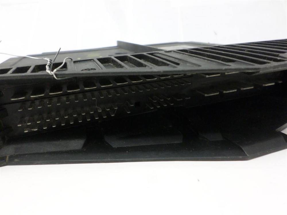 medium resolution of throttle control module mercedes benz e class 1996 1997 210 820 39 26 oem