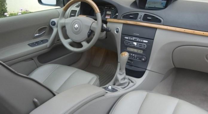 Renault Laguna Hatchback 2005 2006 Reviews Technical Data Prices