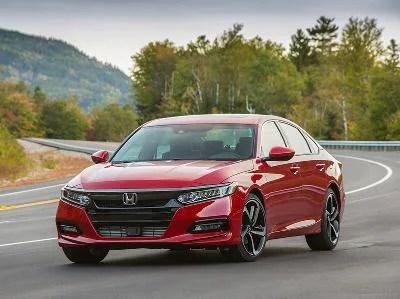 2018 Honda Accord Sport front three quarter 400 thb
