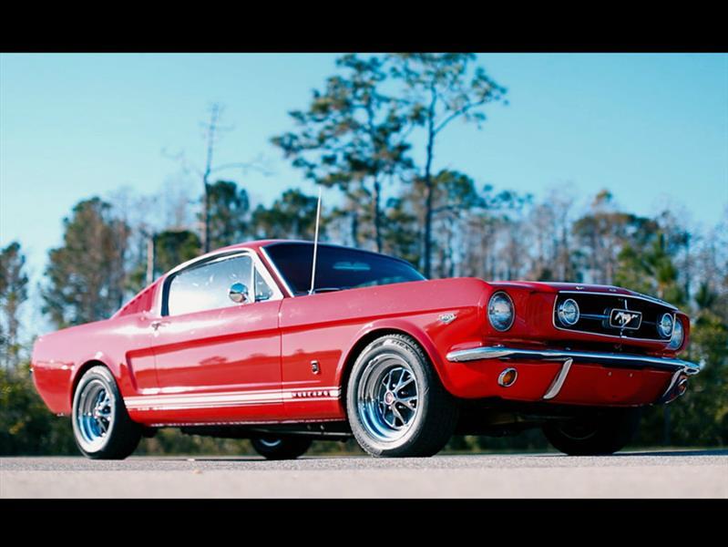 Muscle Cars Mustang Wallpaper Revology Cars Crea R 233 Plicas Modernas De Mustangs Cl 225 Sicos