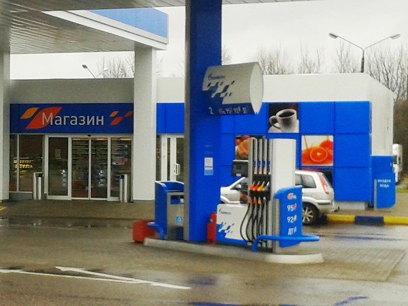 Цены на бензин продолжают быстро расти