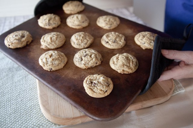 How to Use a Pampered Chef Stoneware Cookie Sheet  eHow