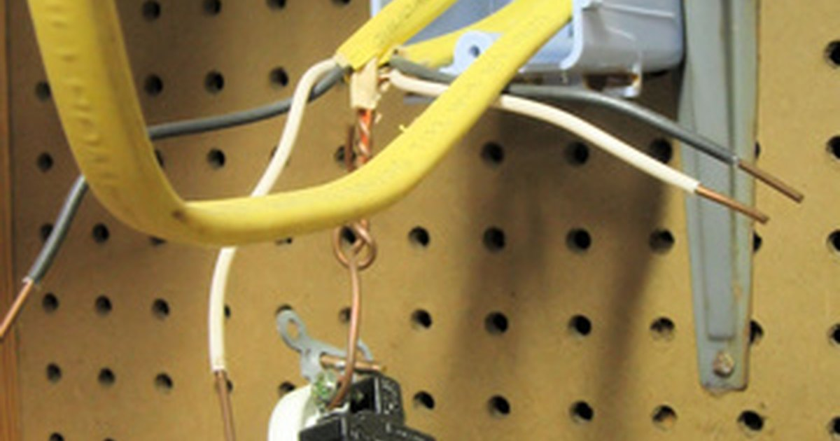 How To Wire Multiple Outlets Ehow