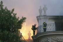 L Tel Lambert Joyau De Paris Ravag Par Incendie