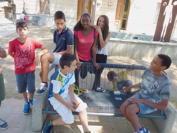 Riace ne comptait plus que 900 âmes à la fin des années 1990. Grâce à l'arrivée des migrants et de leurs familles, la population est remontée à 2100 habitants.
