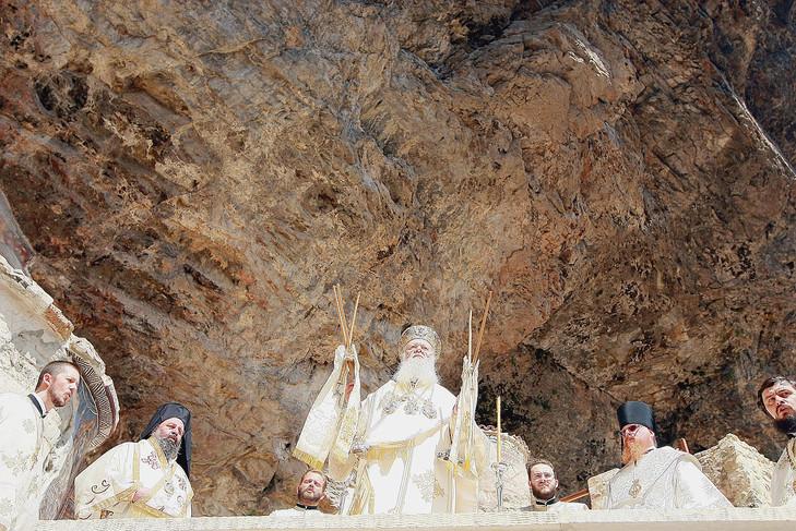 En 2010, le patriarche BartholomeosIer a célébré la divine liturgie au monastère de Sumela, en Turquie.