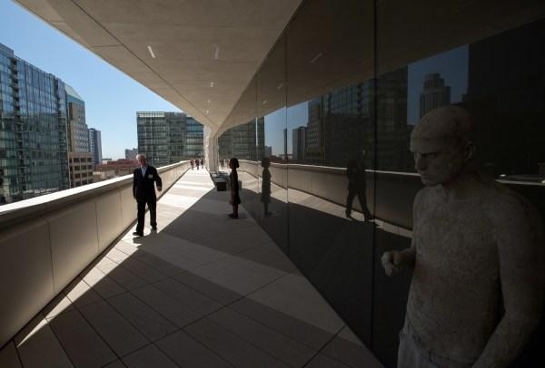 Le Mus 'art Moderne De San Francisco Veut Jouer Dans La Cour Des Grands - Croix