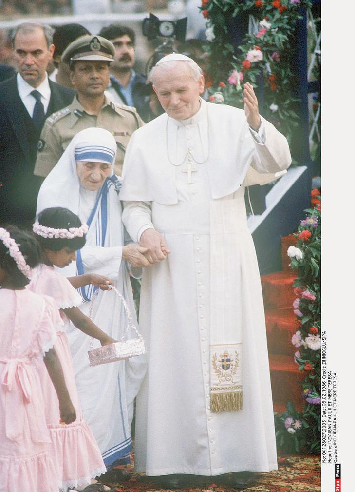 Mère Teresa et Jean-Paul II.