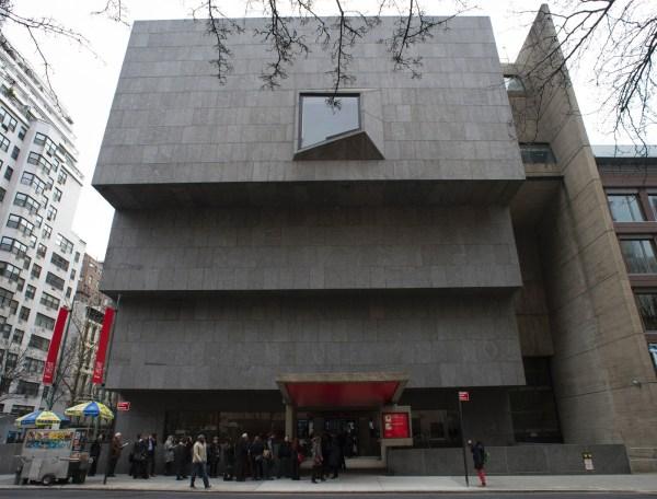 York Le Directeur Du Metropolitan Museum Missionne