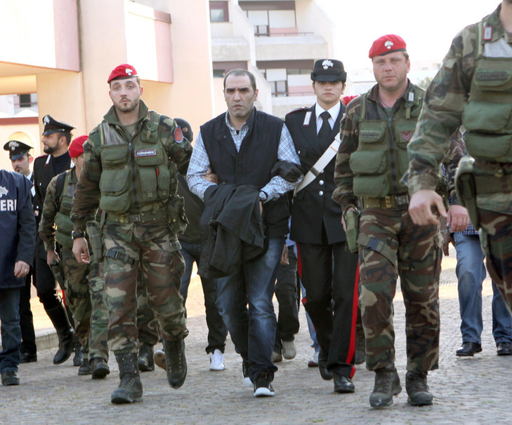 Arrestation de Salvatore Coluccio, suspecté d'être à la tête de la mafia calabraise « Ndrangheta », au sud de la Calabre, le 10 mai 2009.