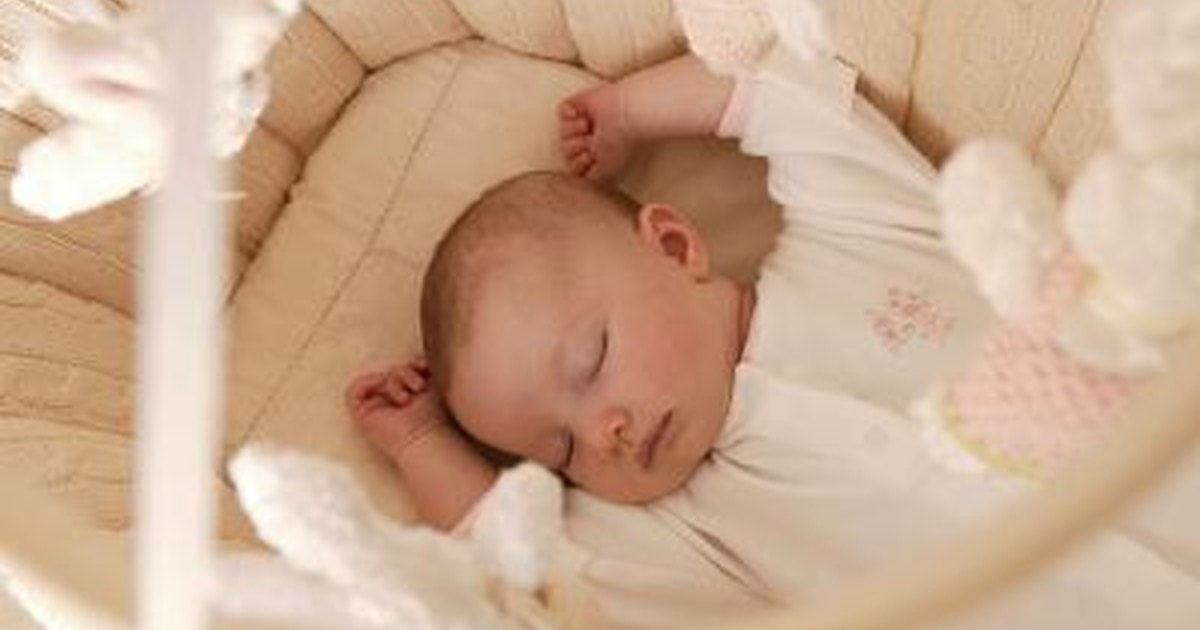 How Long Does a 6-Week-Old Baby Sleep For? | LIVESTRONG.COM