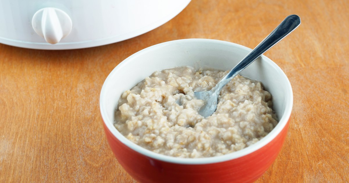 How to Cook Rolled Oats in a Crock-Pot   LIVESTRONG.COM