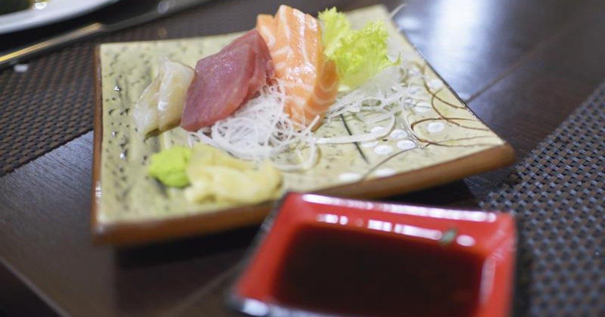 Sushi With Rice Vinegar & Gastritis | LIVESTRONG.COM