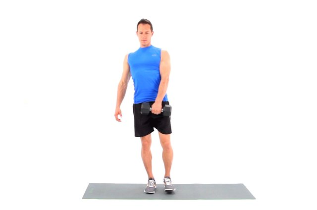Proper form for a single-leg dumbbell deadlift.