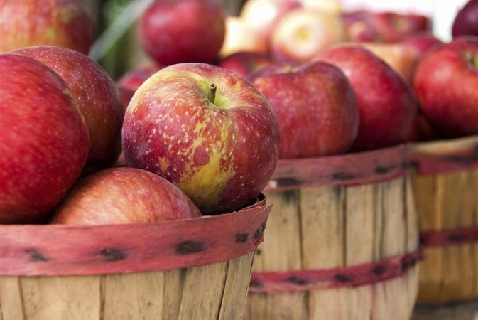 Do apples clean your teeth