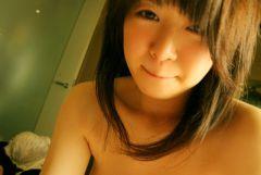 清楚に見えて実はビッチな可愛い女の子のエロ画像