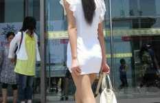 【街撮り】こういうピチピチタイトな服着た女がエロくて勃起するwww