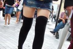 悔しいけどつい見てしまう、街で見かけたエロい格好の素人女の子画像