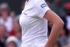 女子プロテニス選手の健康的な肉体美をエロ目線で眺める