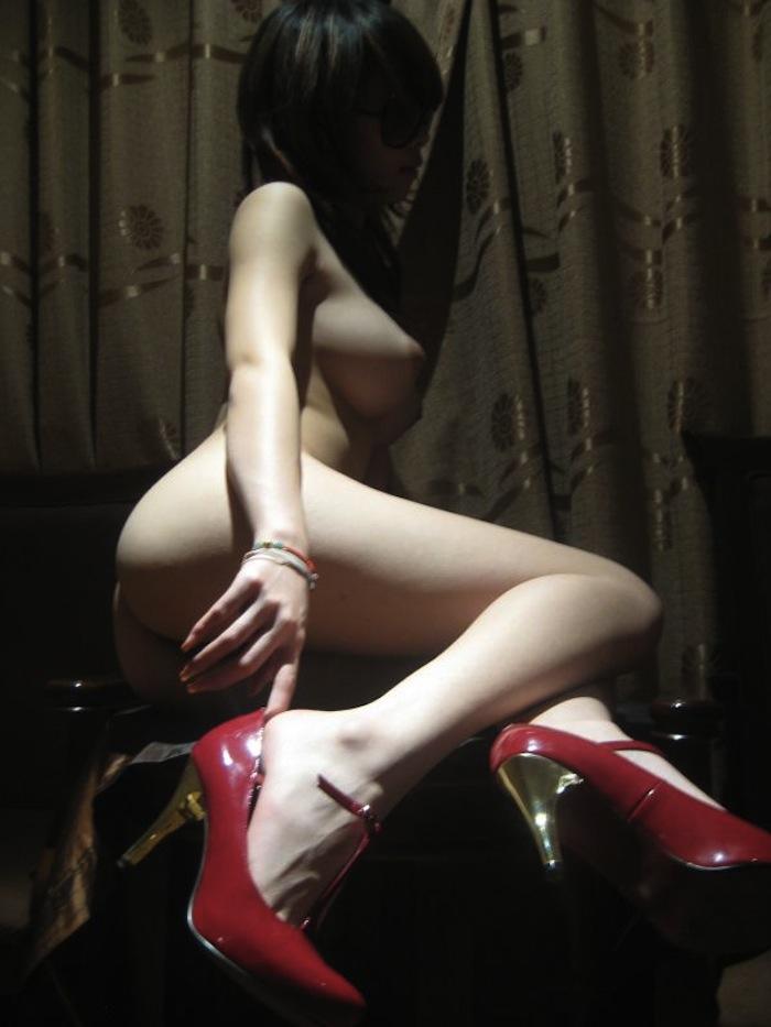 セフレが撮影したエッロい身体のお姉さんのプライベートヌード流出画像16