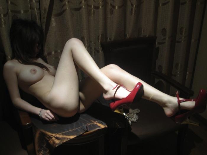 セフレが撮影したエッロい身体のお姉さんのプライベートヌード流出画像17