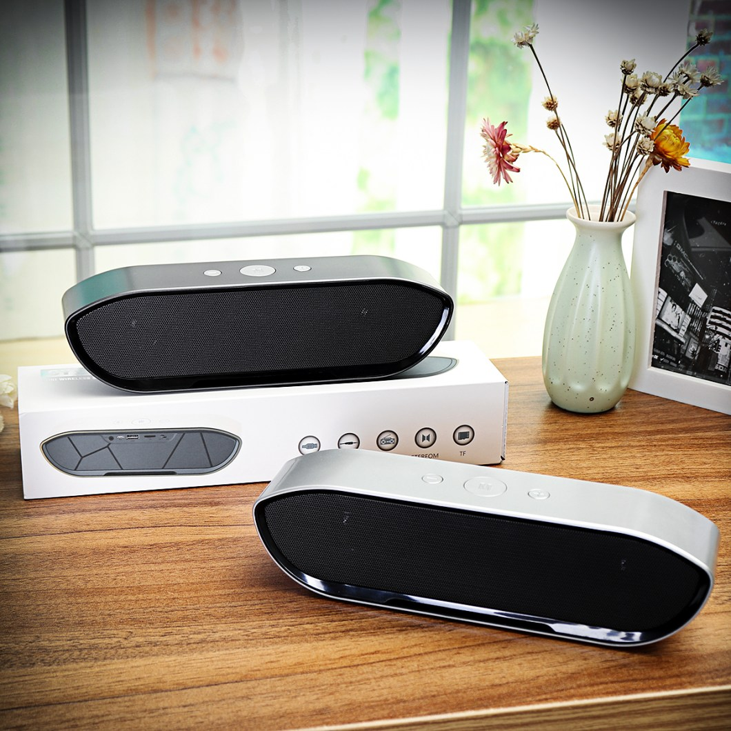 CY-01 Wireless Bluetooth Speaker 3D Stereo TF Card USB Play Outdoors Subwoofer for iPhone Xiaomi 45