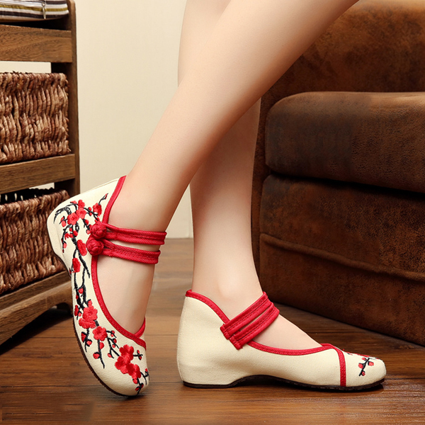 Women Embroidery Floral National Wind Chineseknot Buckle Vintage Flat Shoes