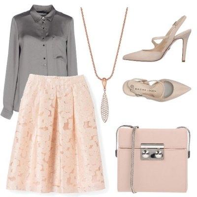 Elegante in rosa e grigio