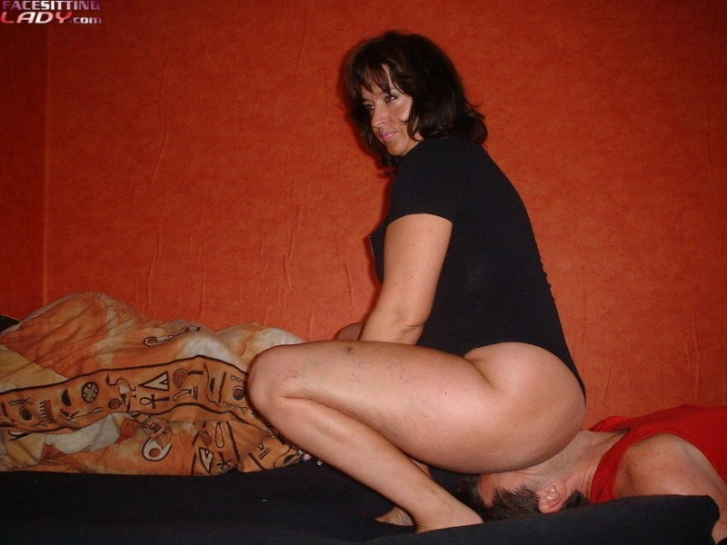 Miss Jackson  free smothering and facesitting pics on