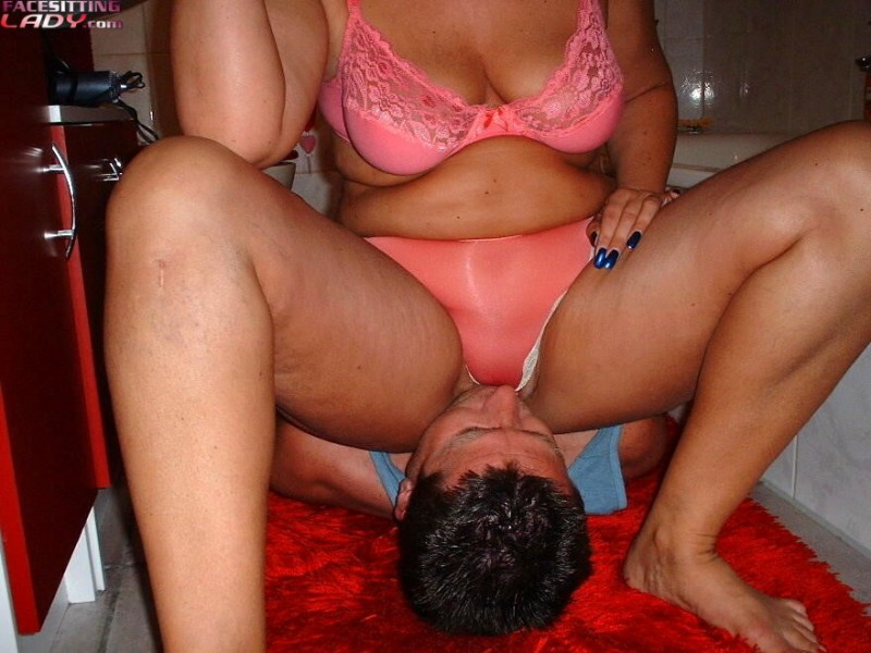 Miss Jackson  free smothering and facesitting pics on BDSMBookcom