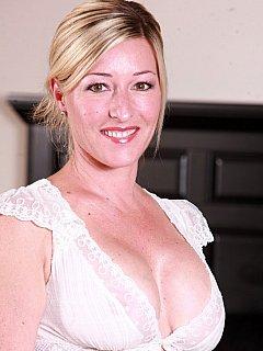 Amanda Kent  BDSM Queens