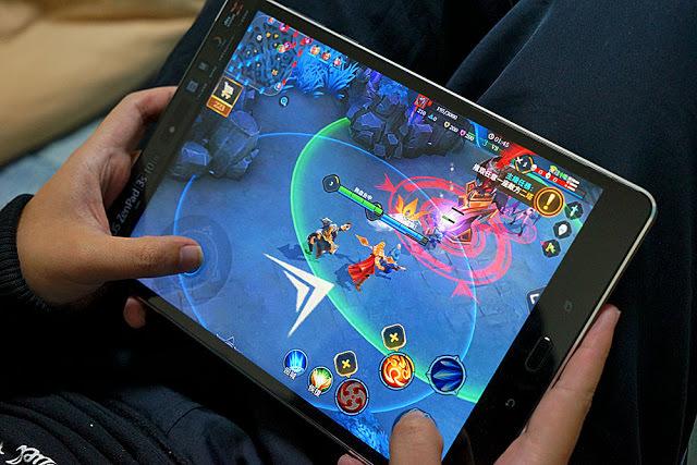 ASUS ZenPad 3S 10 LTE (Z500KL)大螢幕影音平板,你的追劇神器,我的電玩利器 (體驗)